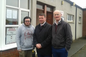 Dean O Regan (Tús Participant), Minister Alan Kelly, Brian Mc Grath (Tús Team Leader).