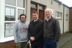 Dean O Regan (Tús Participant), Minister Alan Kelly, Brian Mc Grath (Tús Team Leader).