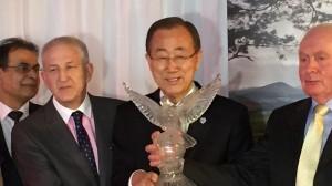 Mr Martin Quinn(Secretary), Mr Ban Ki-moon (UN Secretary General), and Mr Joe Quinn (Chairman, Tipperary Peace Convention).